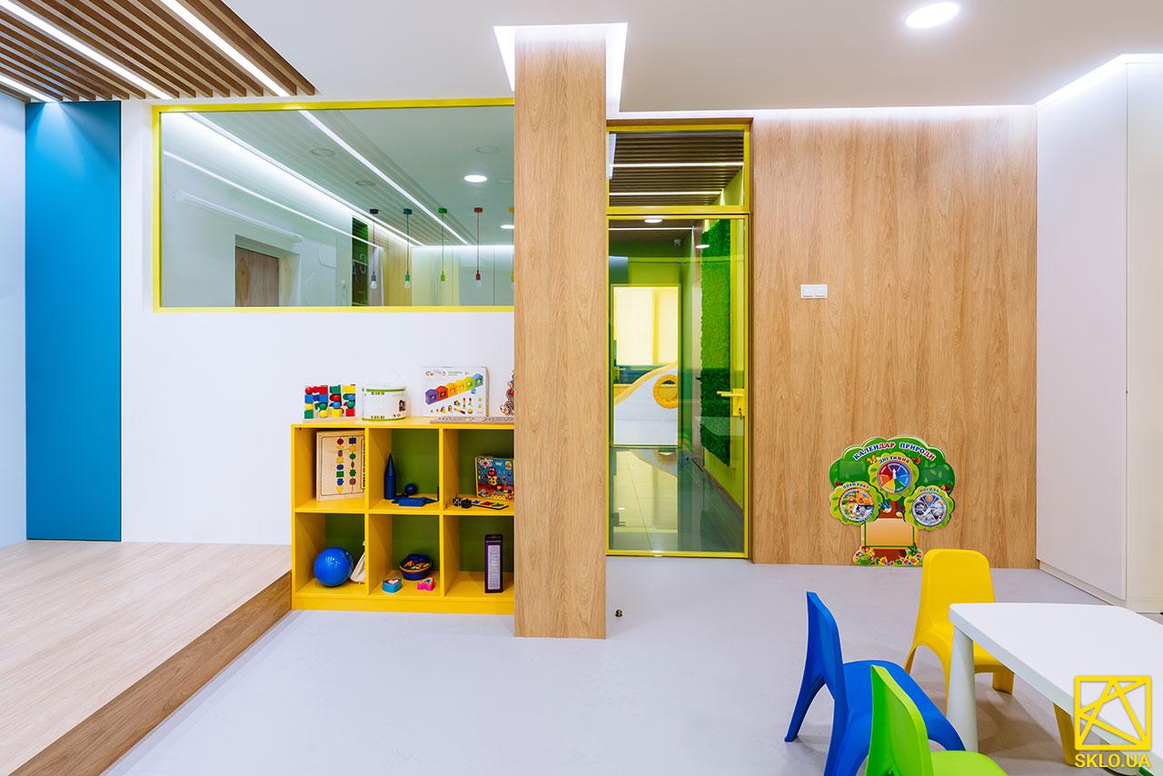 Скління дитячого розвиваючого центру в ЖК Комфорт Таун