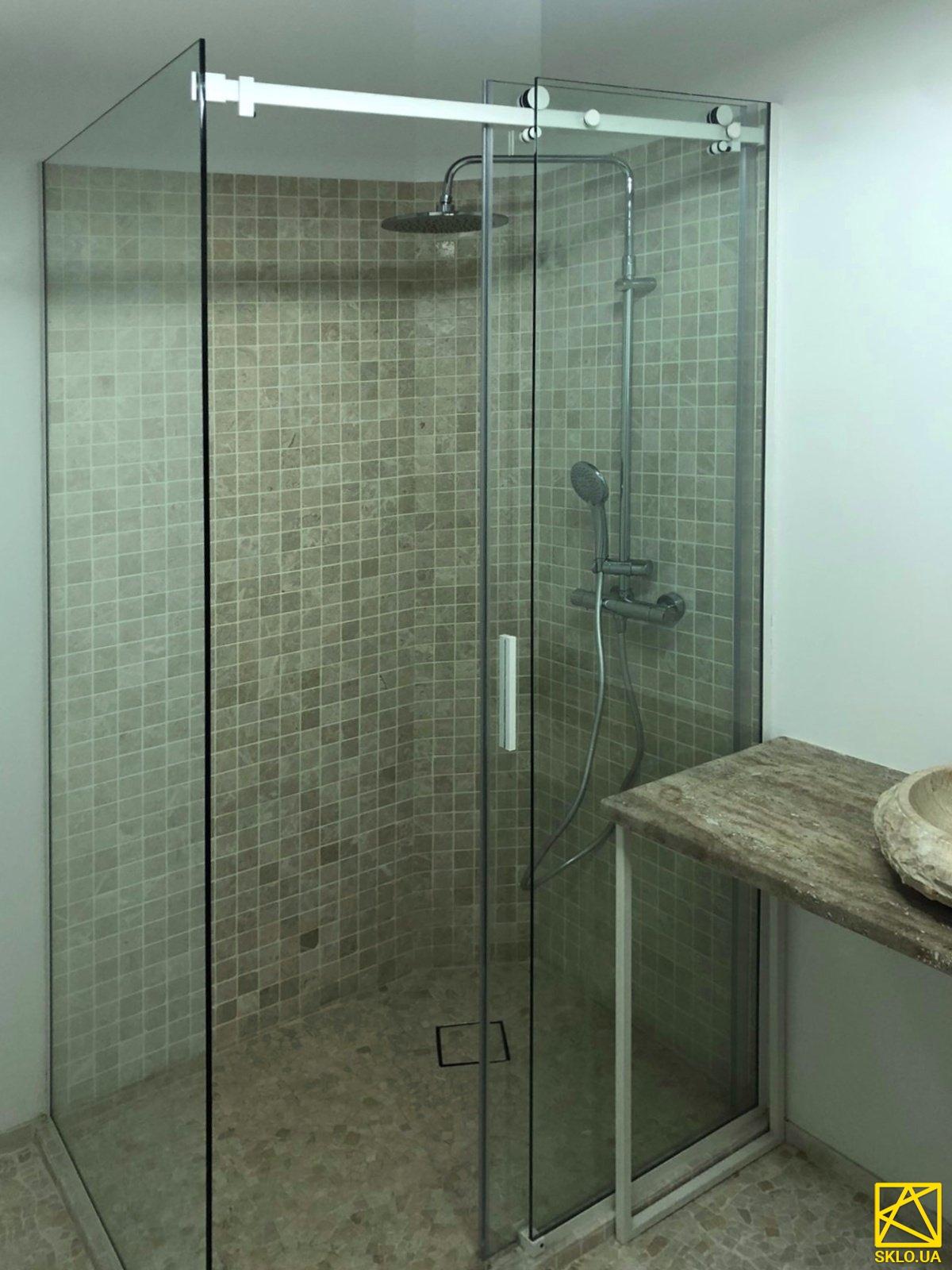 Скляна душова перегородка з фарбуванням