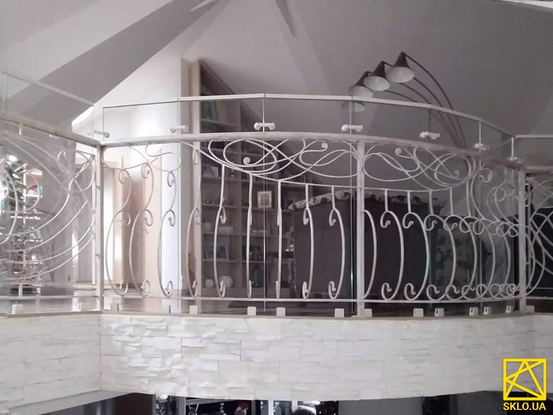 Стеклянные ограждения для лестницы в доме